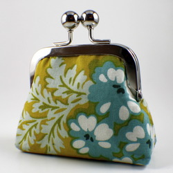 Floral Metal Frame Coin Purse